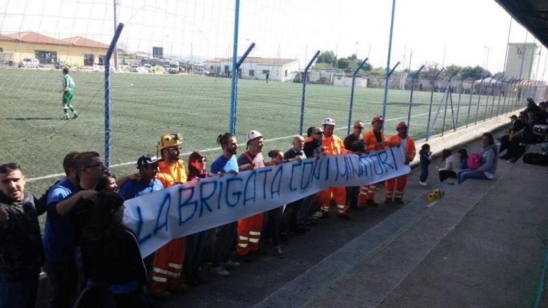 Brigata Veleno a supporto della lotta dei minatori di Olmedo (foto facebook)